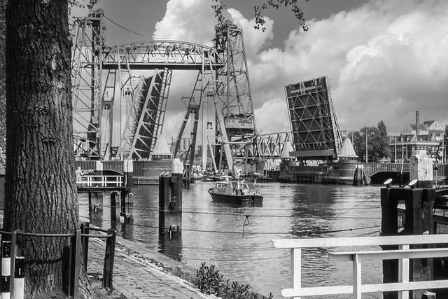 Koningshavenbrug na een aanvaring in 1978 - Rotterdam