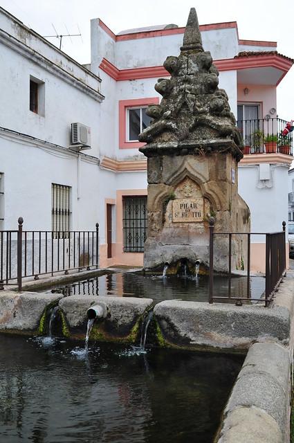 Au hasard des rues, Pilar de San Benito (XVe), Zafra, province de Badajoz, Estrémadure, Espagne.