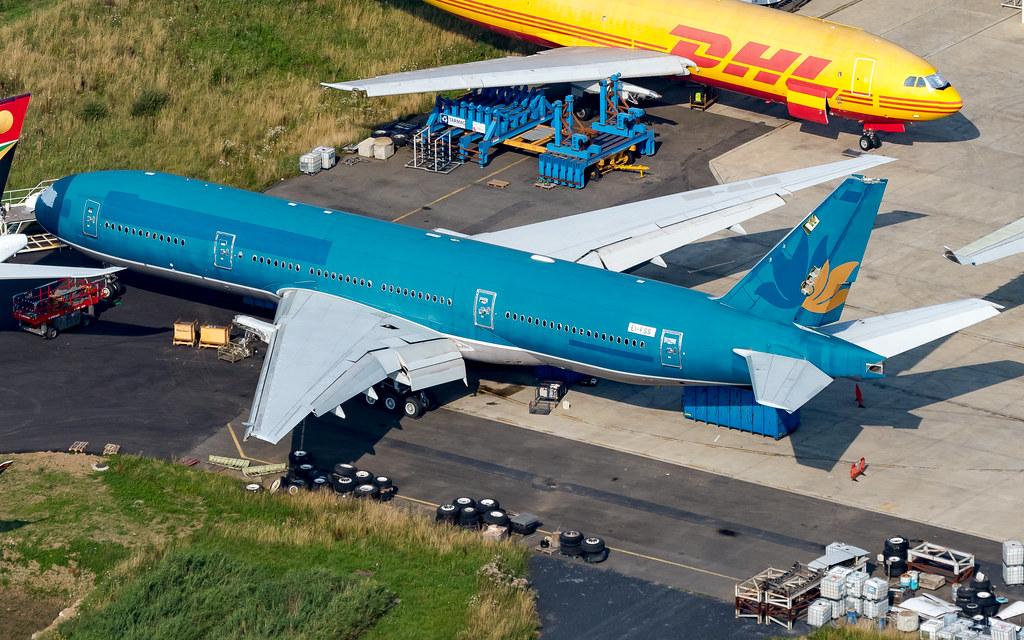 Boeing 777-2Q8(ER) EI-FSS Macquarie AirFinance