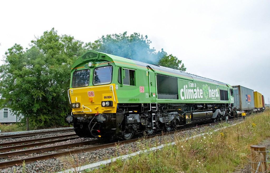 66004 Departs East Midlands Gateway to run around at Castle Donnington. Hemington. 30.07.21
