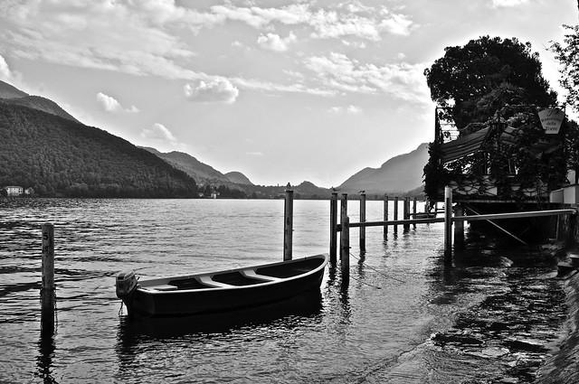 La quiete del lago
