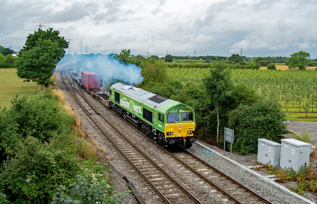 66004 4L38 East Midlands Gateway - Felixstowe. Departs Castle Donnington, Hemington. 30.07.21