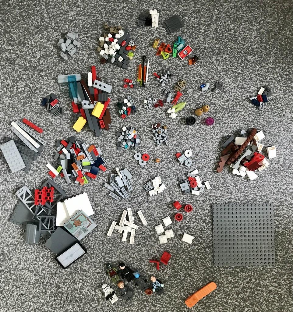 Taking apart my Nar Shaddaa MOC