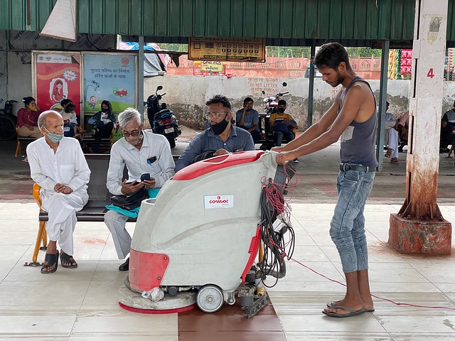 City Hangout - Kuashambi Bus Station, Delhi-UP Border