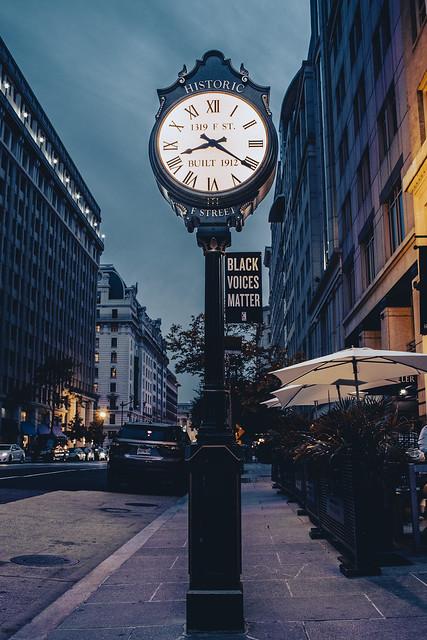 1319 F Street Clock