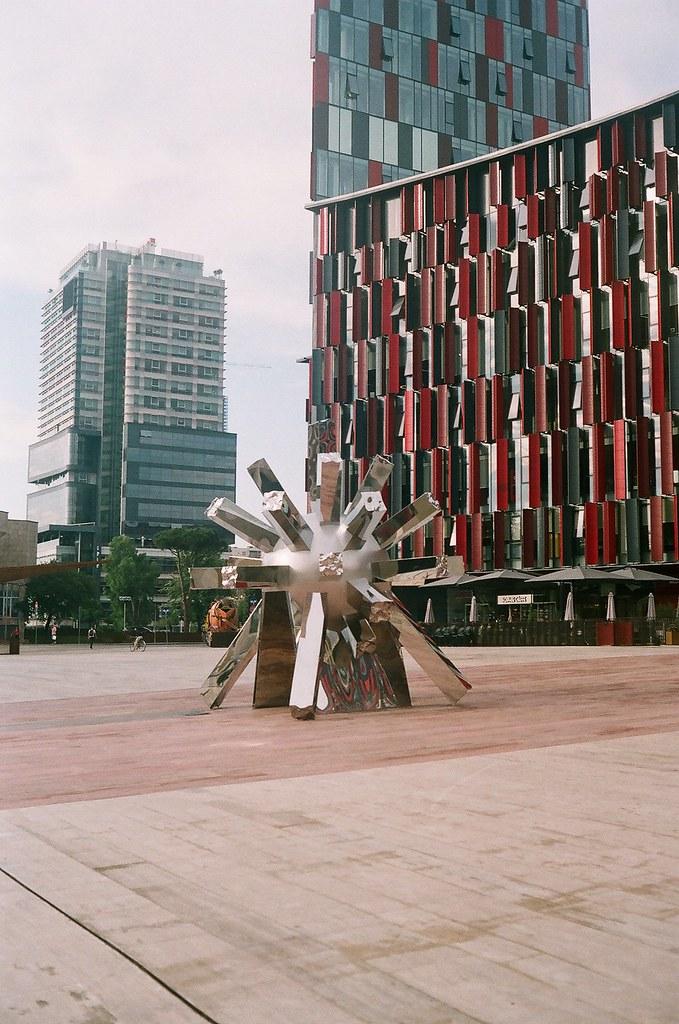 Corona monument