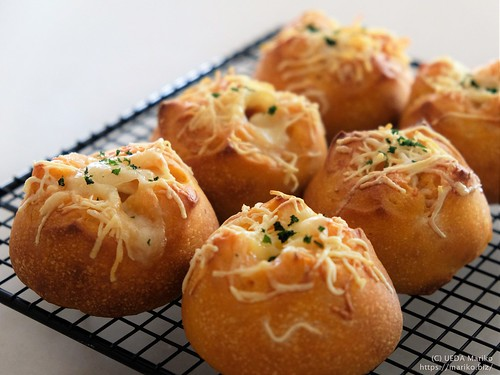 バジル酵母のトマトチーズパン 20210801-DSCT1425 (2)