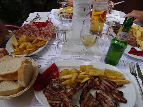 Carnes en la mesa
