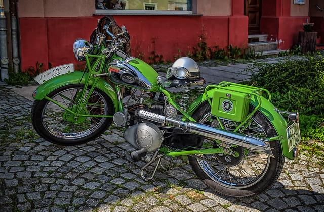 a wonderful old ARDIE Bike from 1935