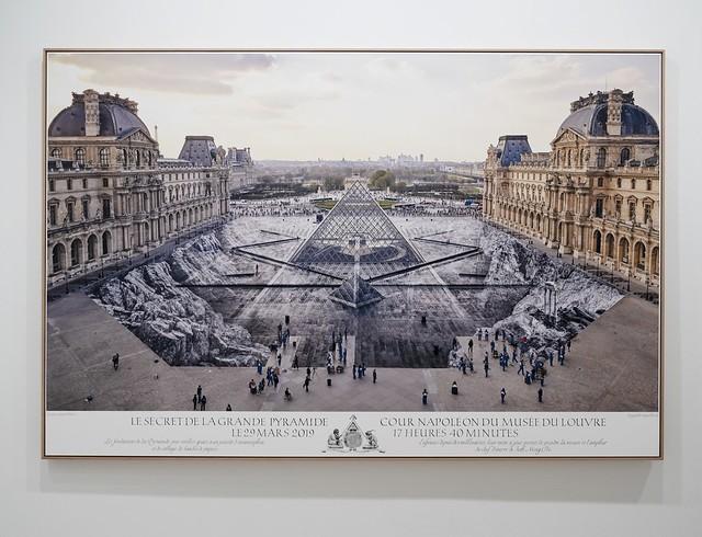 JR au Louvre et le Secret de la Grande Pyramid