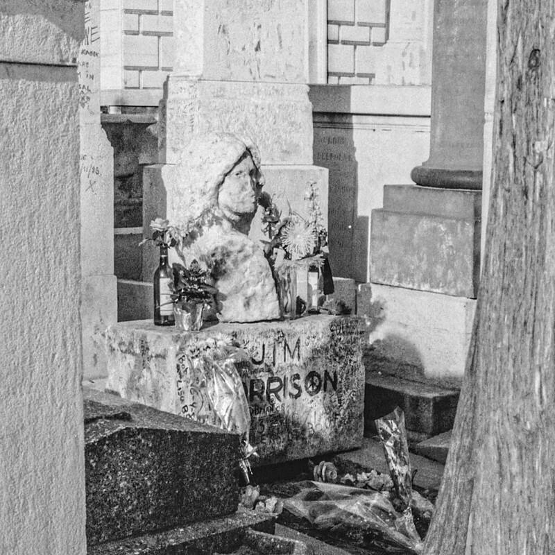 Grab von Jim Morrison auf dem Pariser Friedhof Père Lachaise 1981