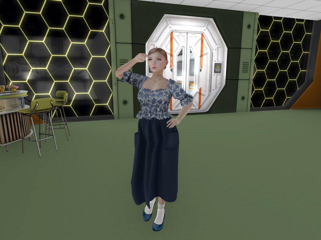 Fashion aboard the star station! Or: The stars are alive with the sound of music?