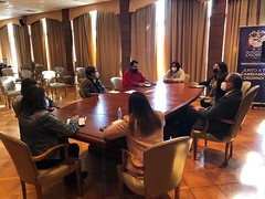 Integrantes de la JJVV Ex Aeru00f3dromo de Pampa Alegre, de Francke, se reunieron con alcalde Emeterio Carrillo. En la cita se abordaron temas como iluminaciu00f3n y arreglos de su sede entre otras materias.