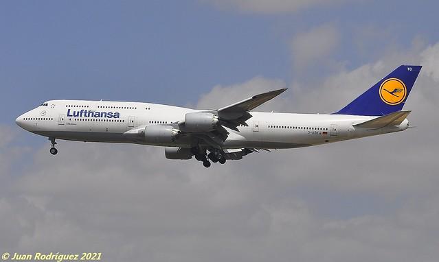 D-ABYQ - Lufthansa - Boeing 747-830 - PMI/LEPA