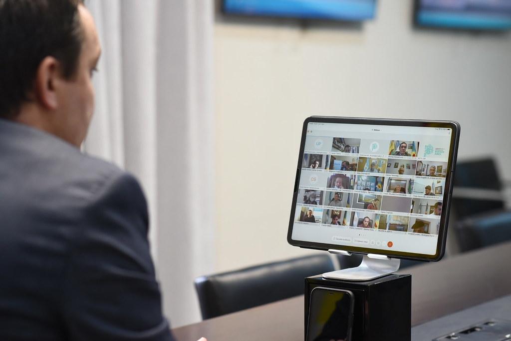 Andrés Watson en videoconferencia por la suscripción en el Programa de Emergencia de Infraestructura Municipal de la Prov. de Bs. As.
