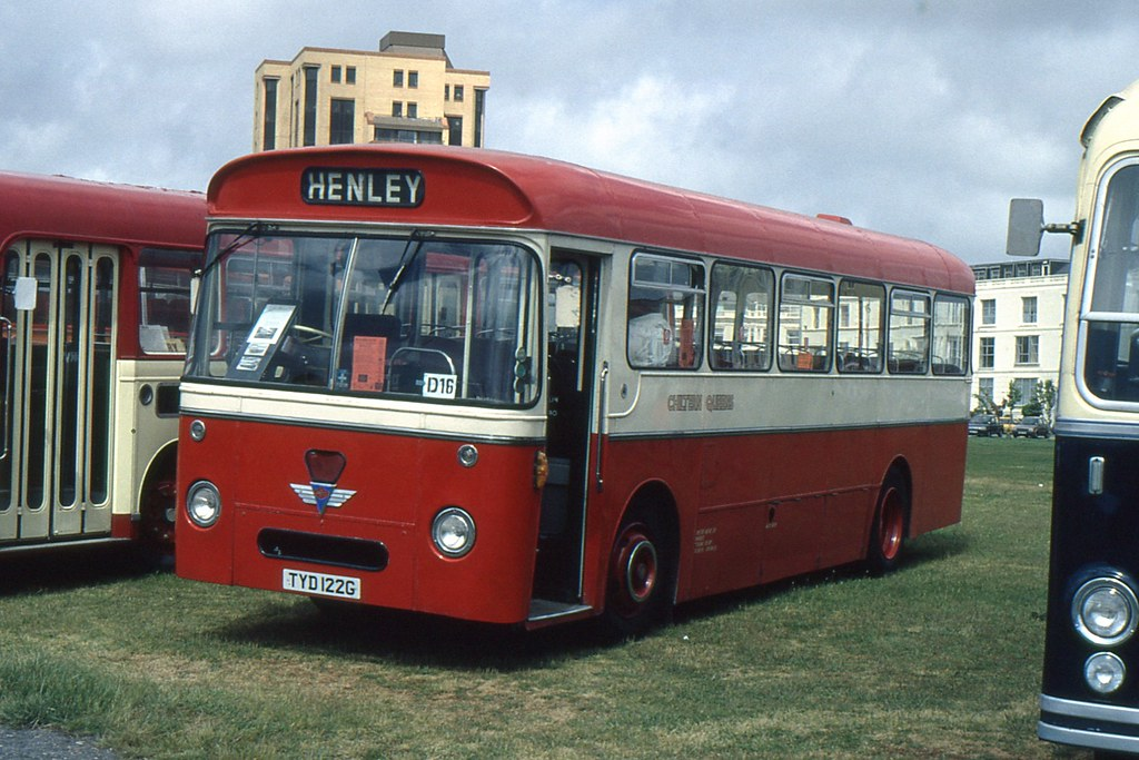 Chiltern Queens,Woodcote-Preserced TYD 122G. AEC Reliance-Willowbrook. Ex H&C, Sth Petherton