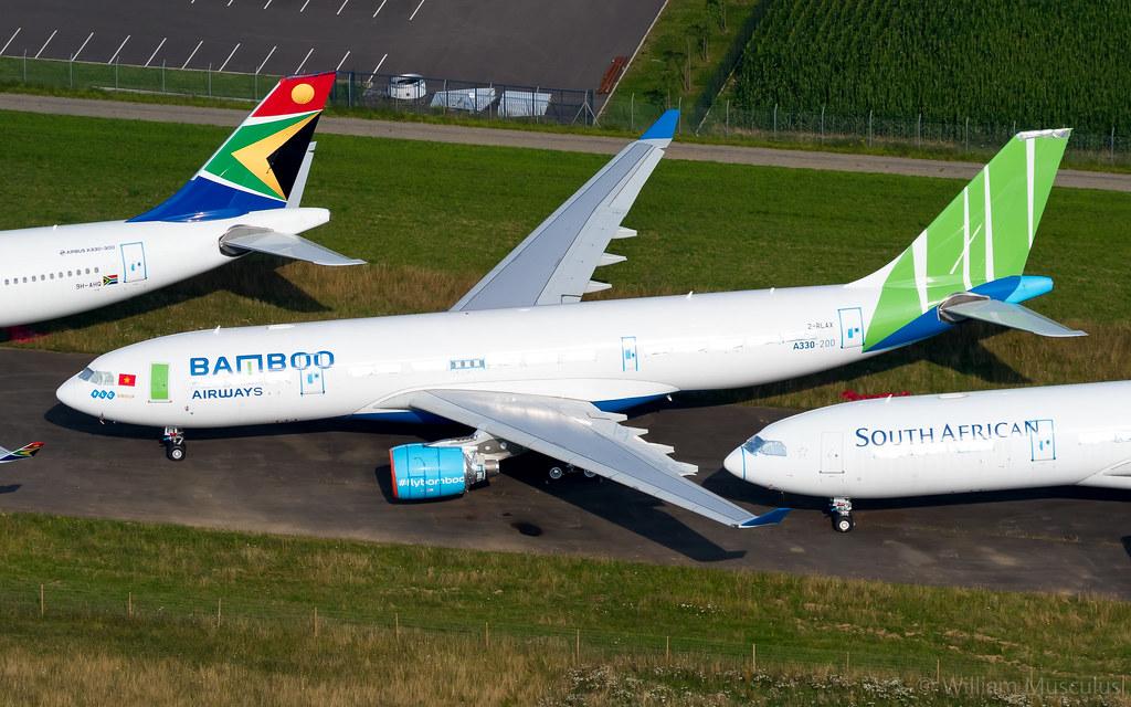 Airbus A330-223 2-RLAX Macquarie AirFinance