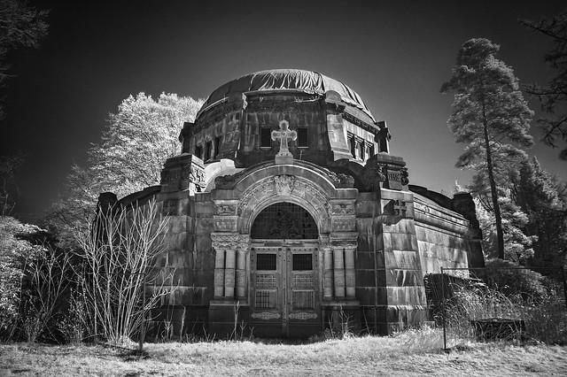 Mausoleum IR