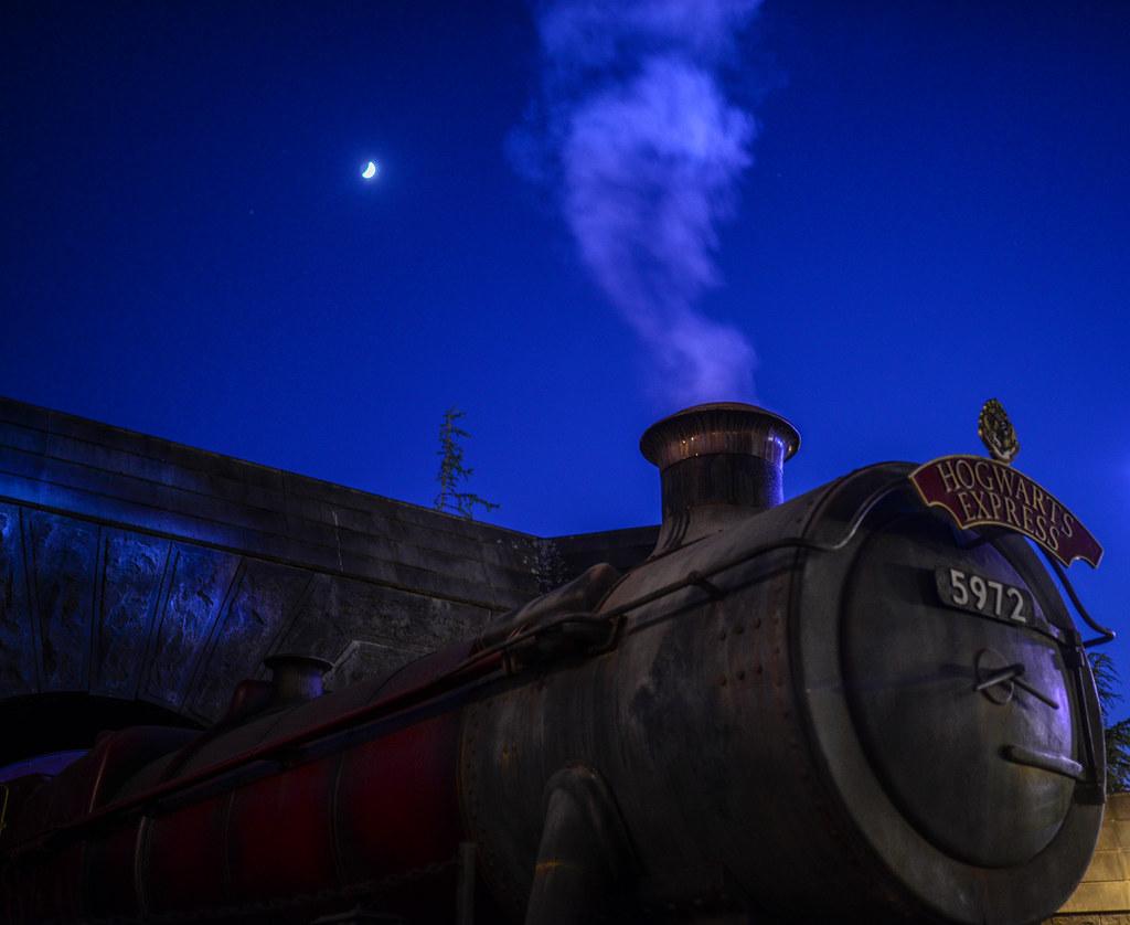 Hogwarts Express moon