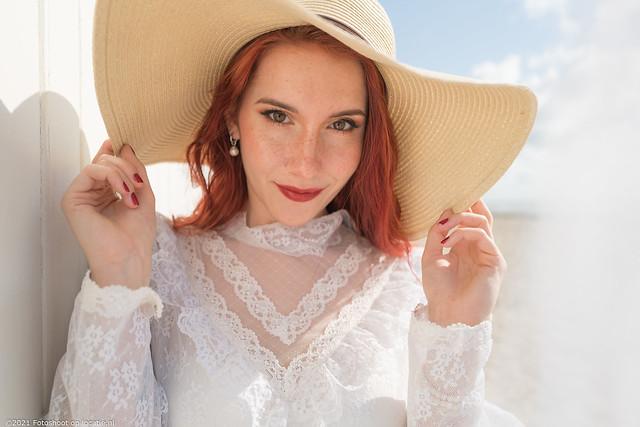 Photographer: Jeroen Zelle / Model/styling: Elyse of Endrion