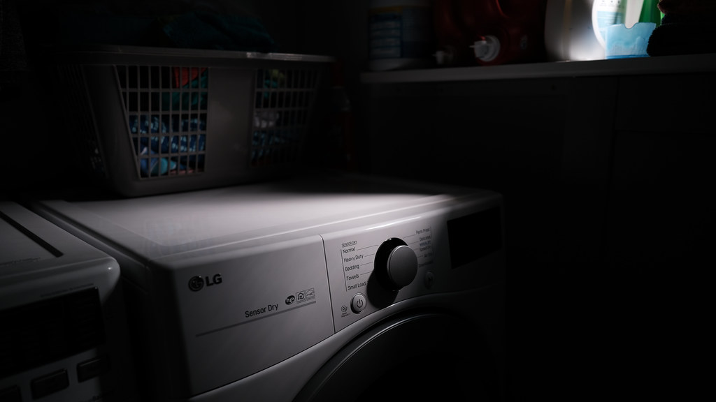 214/365 : When the light is right, laundry room edition
