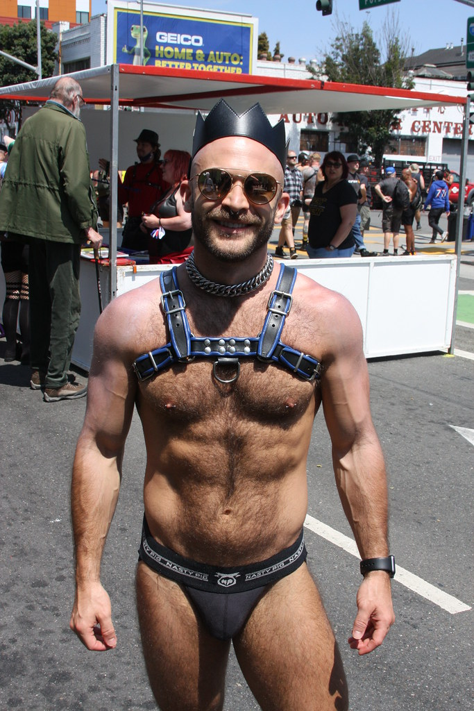 HELLA HOT & HAIRY MUSCLE STUD ! photographed by ADDA DADA at DORE ALLEY  !!!  (safe  photo) (50+ faves)