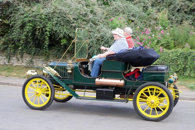 Stanley E2 9.5hp steam car (1909)
