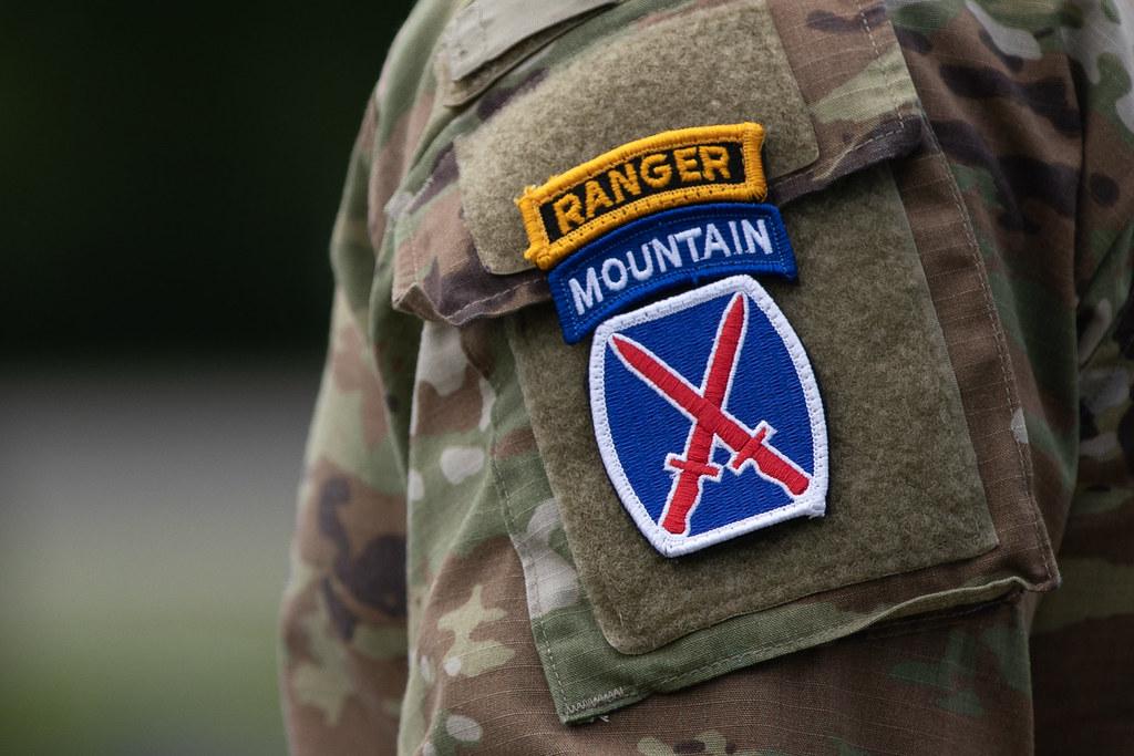 Col. Curl, Col. Scarpulla Mountain Salute