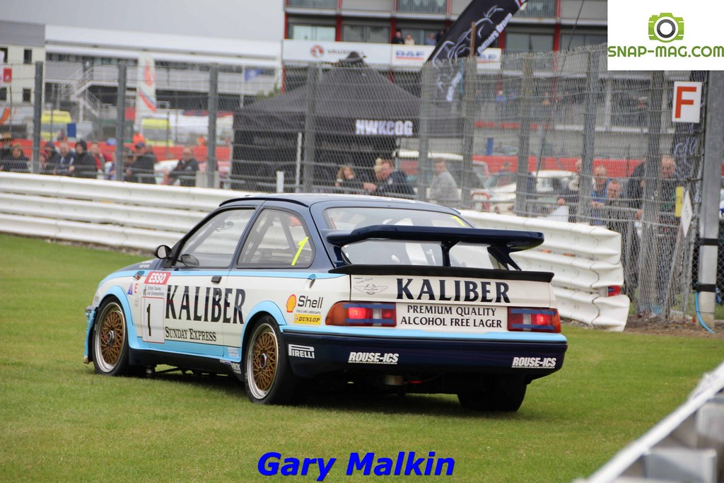 Ford Sierra Cosworth RS500 (Kaliber Rouse) 1989 - Thomas & Lockie (Silv.19cp)