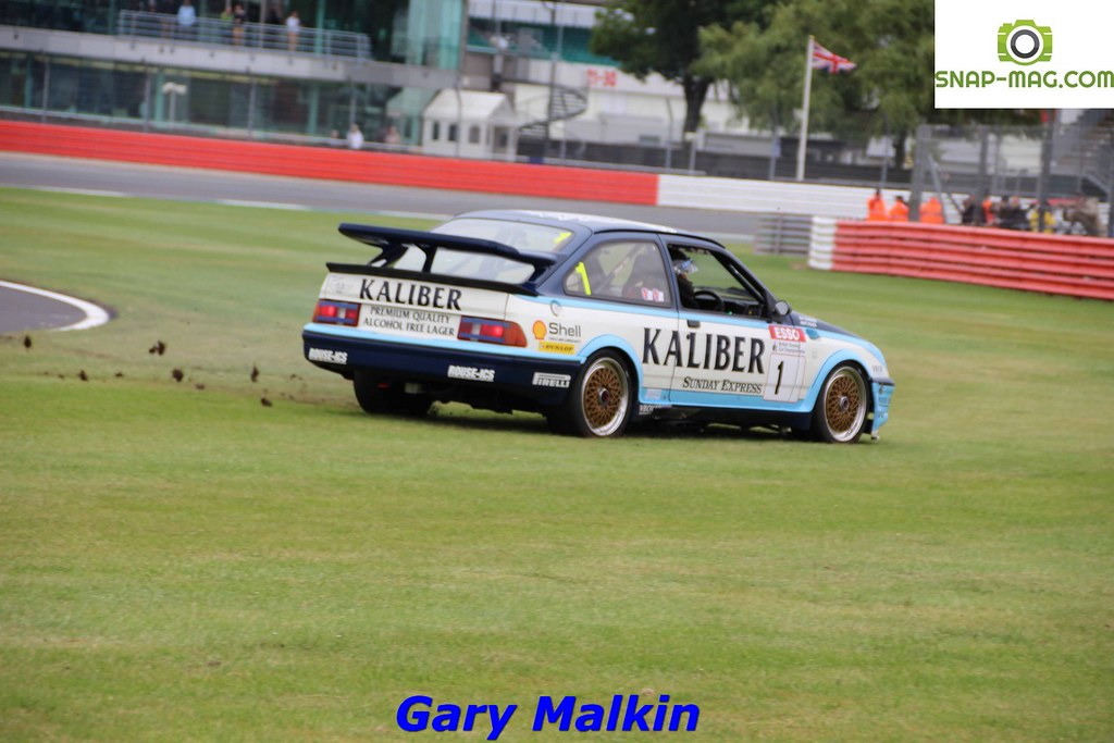 Ford Sierra Cosworth RS500 (Kaliber Rouse) 1989 - Thomas & Lockie (Silv.19co)
