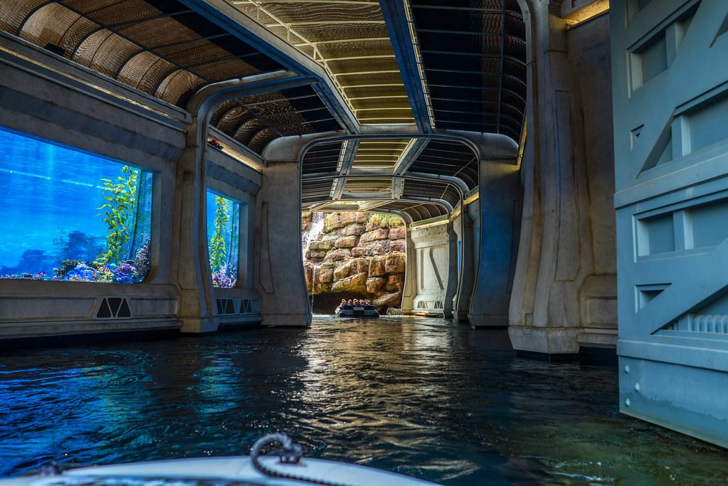 Jurassic World tunnel