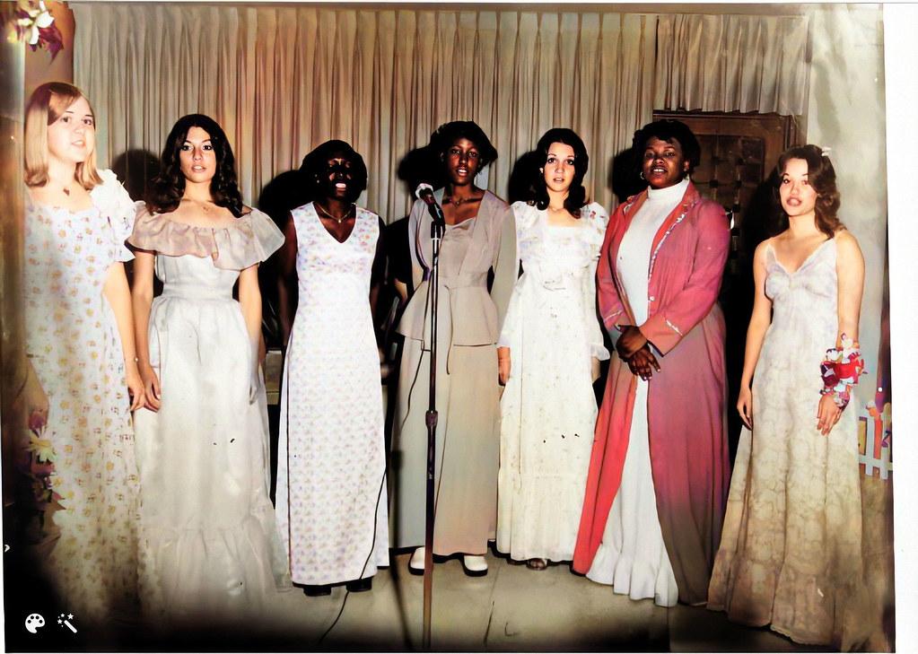 BOOK 10 (106-11)Prom 1975-