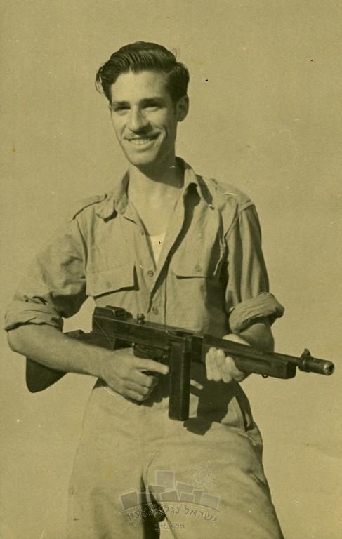 Thompson-SMG-1948-ybz-5000-0403-027