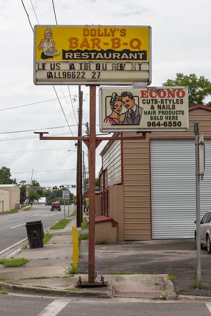 Dolly's and Econo