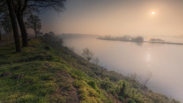 Sunrise at the Meuse