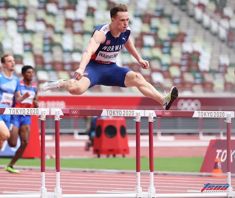 挪威選手Karsten Warholm一舉將400公尺跨欄世界紀錄刷新快了0.76秒。(特約攝影侯禕縉/東京現場拍攝)