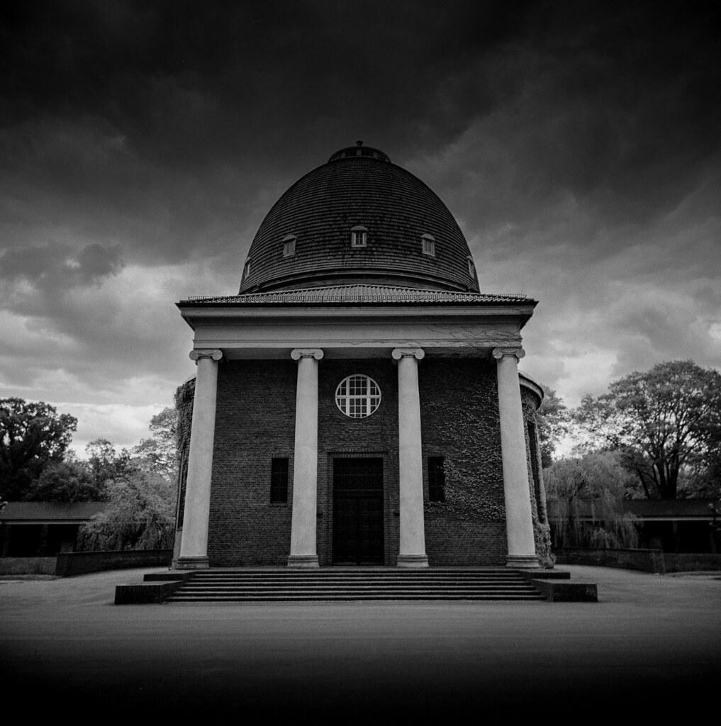 The dark chapel
