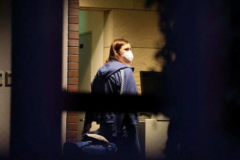 白俄羅斯短跑女將Krystsina Tsimanouskaya走進波蘭駐東京大使館,接受庇護。【AFP授權】