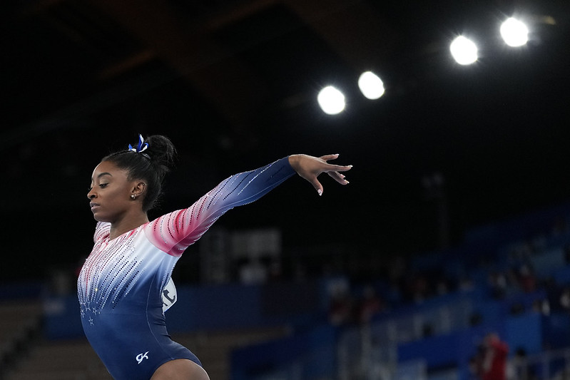 美國體操名將Simone Biles在臨時退出多項賽事後,今天復出拿下平衡木銅牌。(達志影像)