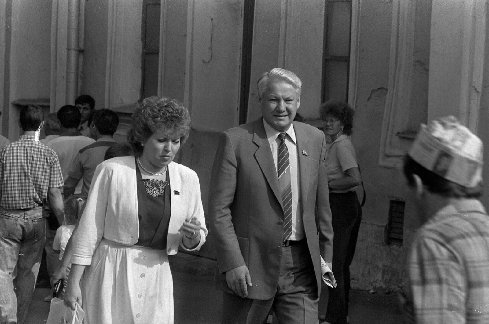 1989. Валентина Матвиенко и Борис Ельцин (2)