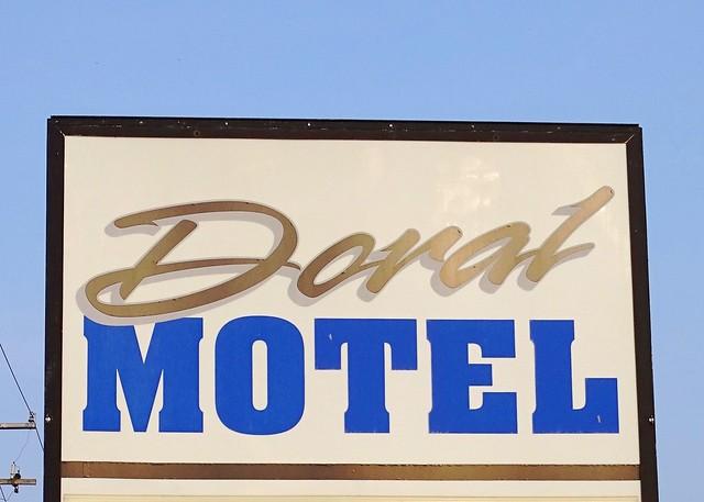 MI, Sault Ste Marie-Doral Motel Sign