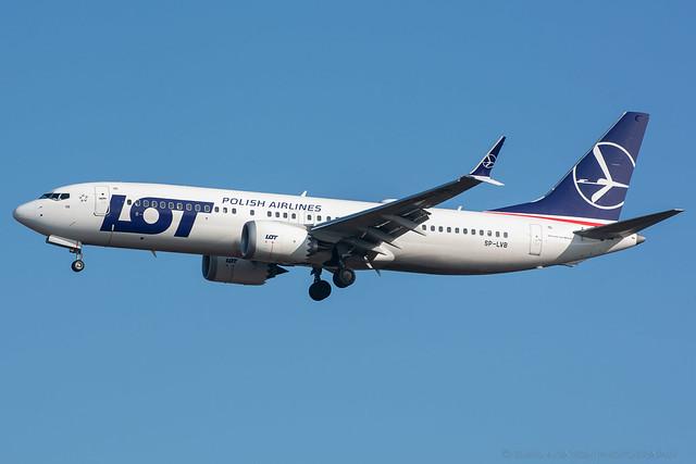 SP-LVB LOT - Boeing 737 MAX 8