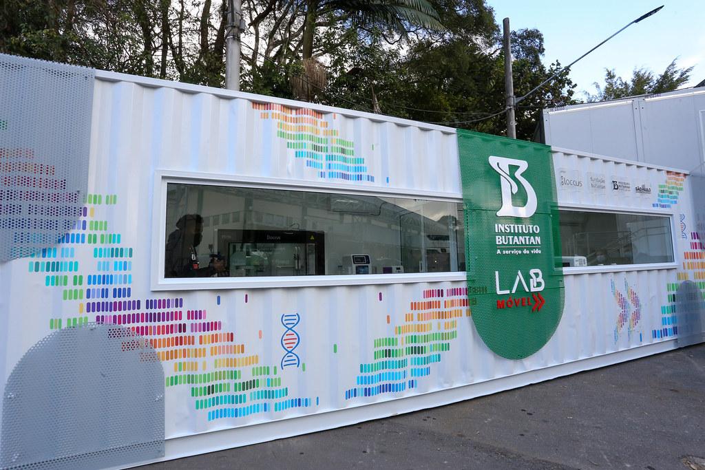 Entrega de Vacinas do Instituto Butantan para o PNI e Laboratório Móvel de Analises das variantes do Covid-19