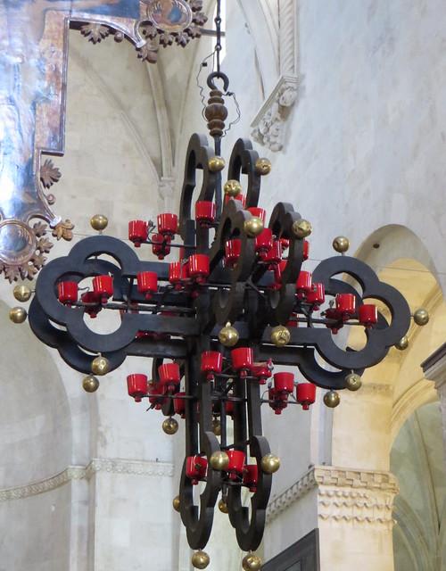 Chandelier central, chœur, cathédrale St Laurent, Trogir, comitat de Split-Dalmatie, Croatie.