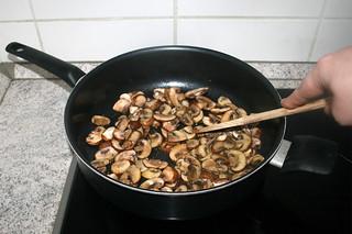 09 - Braise mushrooms / Pilze andünsten
