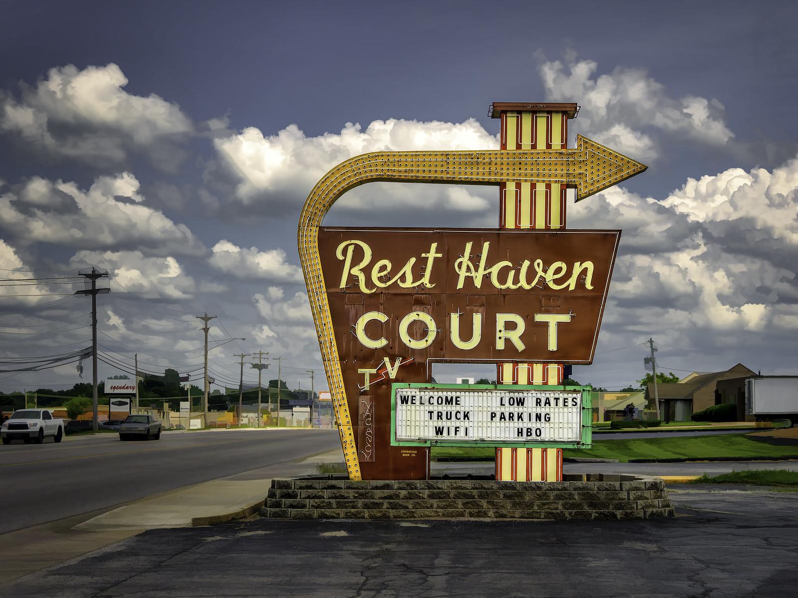 Rest Haven Court - 2000 East Kearney Street, Springfield, Missouri U.S.A. - May 22, 2018