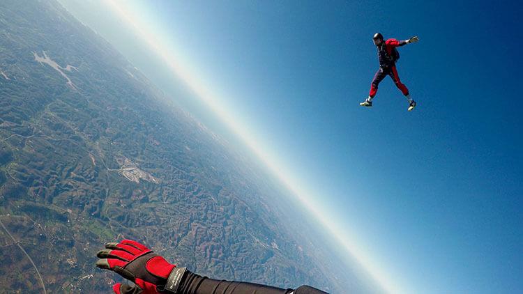 Sky diving in Pattaya