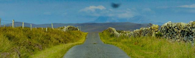 Back road from Sanaigmore - Jura's Paps visible