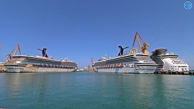 Cruceros CARNIVAL RADIANCE (ex Carnival Victory), CARNIVAL SUNSHINE y LIBERTY OF THE SEAS