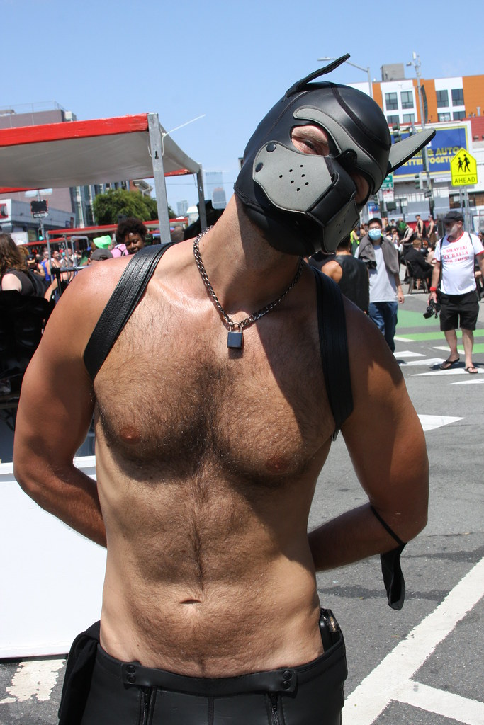 HELLA HAIRY MUSCLE PUPPYPLAY  HUNK  ! photographed by ADDA DADA at DORE ALLEY  !!!  ( safe  photo )